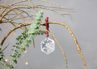 Our Heirloom Snowflake Decorations are made with antique mirror.